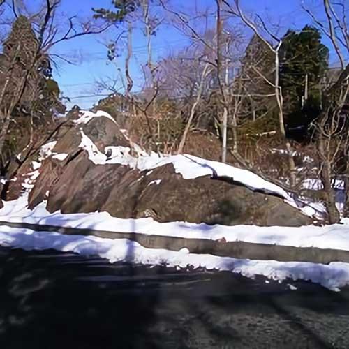 神山と流れ山イメージ